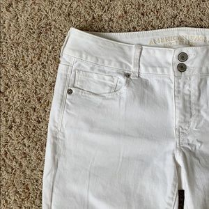 American Eagle white crop jeans